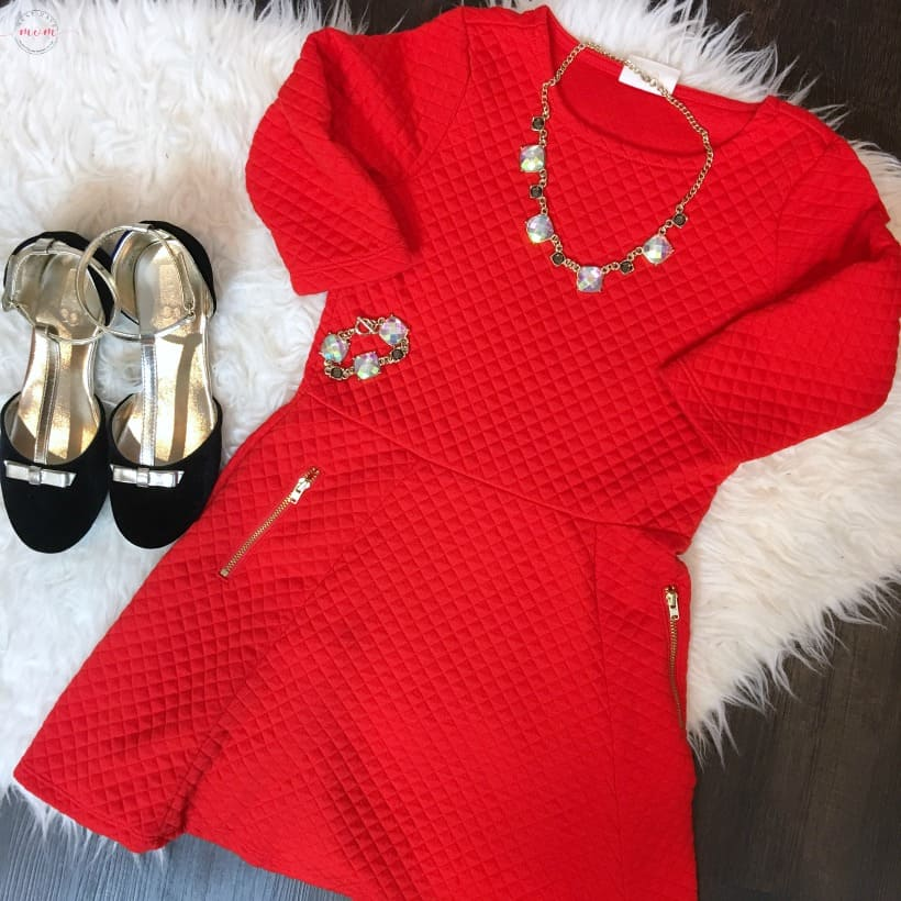 Cute Christmas outfits for kids from Crazy 8! Coordinating sibling outfit ideas that are casual but adorable!