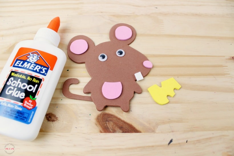 Weekly letter craft M is for Mouse. Free printables for preschool letter craft.