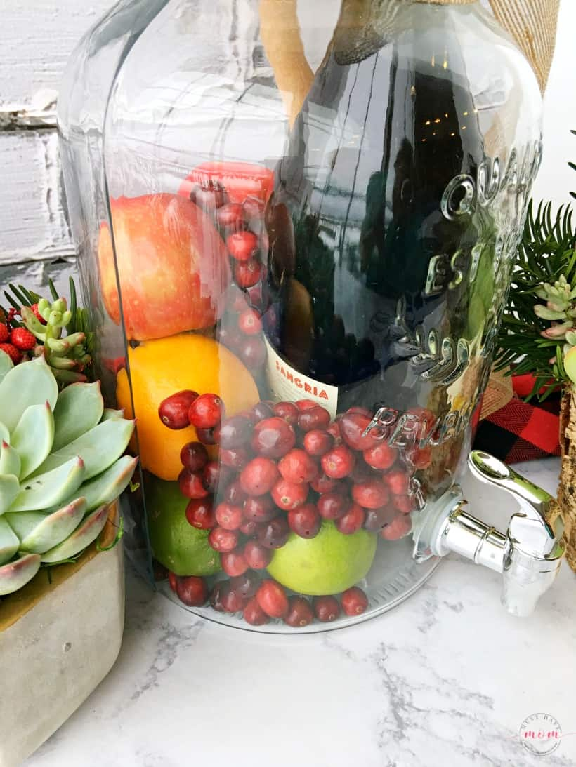 Diy sangria succulents gift basket ideas must have mom sangria and succulent garden gift basket ideas for women great hostess gift for the holidays solutioingenieria Images