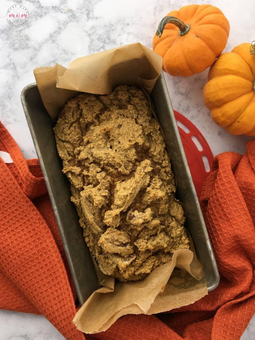Paleo pumpkin bread recipe! Grain free, dairy free, refined sugar free. Yummy paleo breakfast or dessert idea.