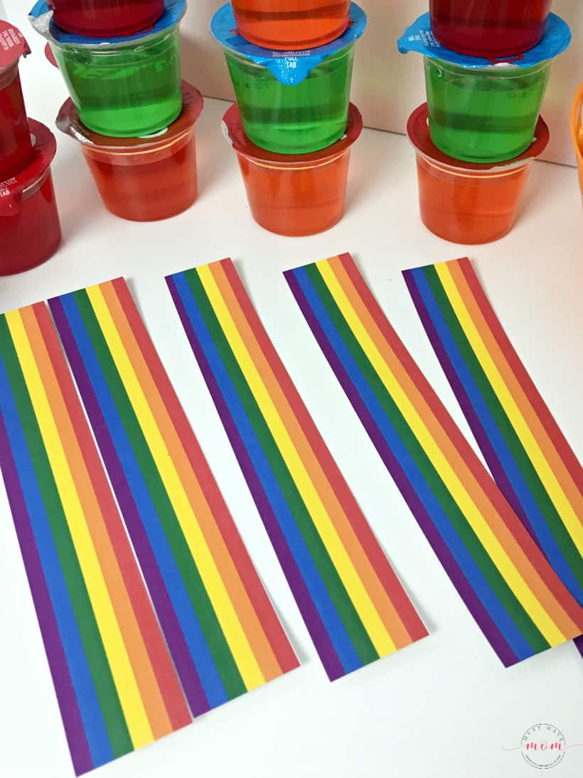 Quick & Easy Over the Rainbow Jello Treats with free printable rainbows! Great St. Patrick's Day food idea.