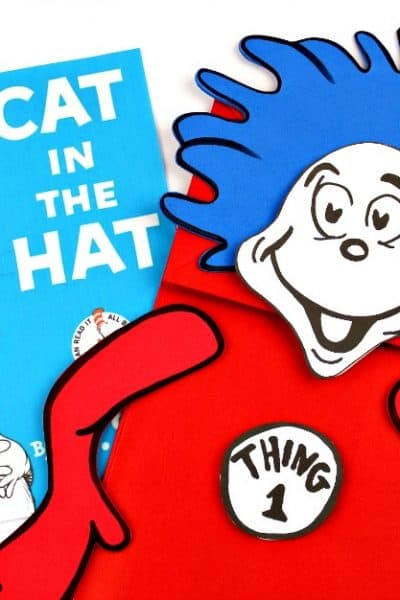 Thing 1 and Thing 2 Puppets Dr. Seuss Crafts with Free Printable templates. Fun Cat in the Hat Craft!