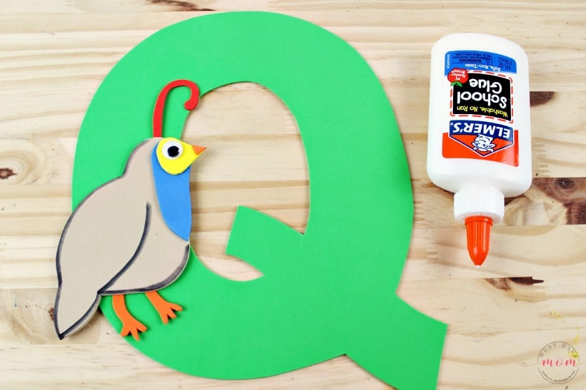 Q is for Quail letter craft. Perfect for preschool and kindergarten educational kids activities with free printables.