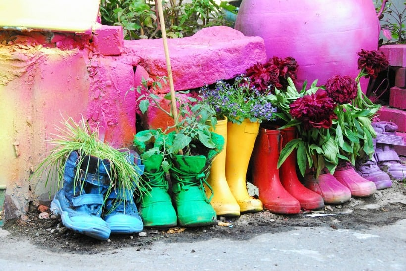 Cool garden ideas for kids like a boot garden!