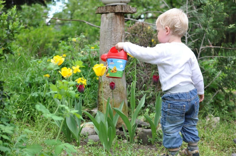 cool garden ideas for kids to make