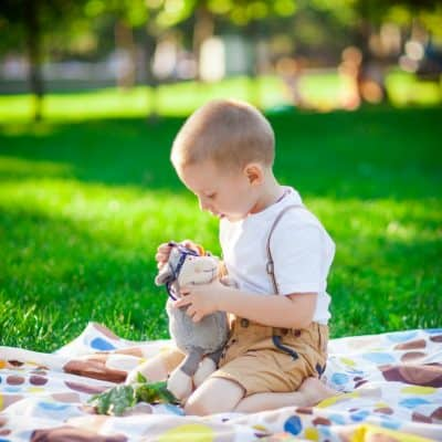 50 Fun Things To Do Outside For Kids!
