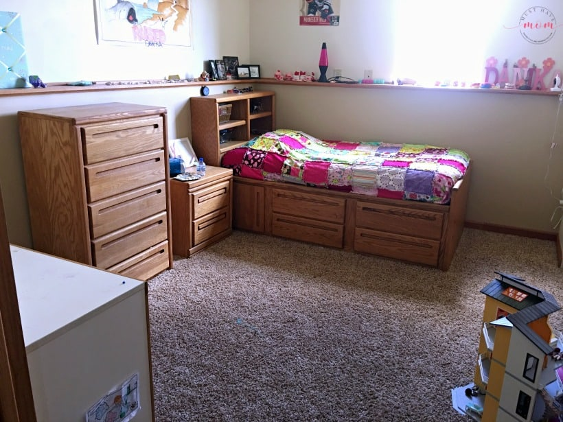 girls bedroom before
