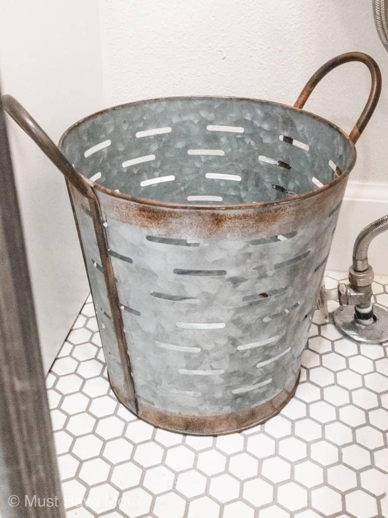 Small Bathroom Waste Bins: DIY Small Bathroom Remodel