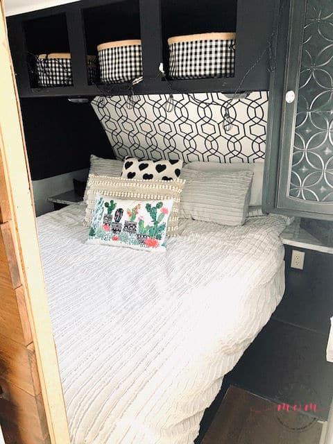 RV master bedroom decor ideas