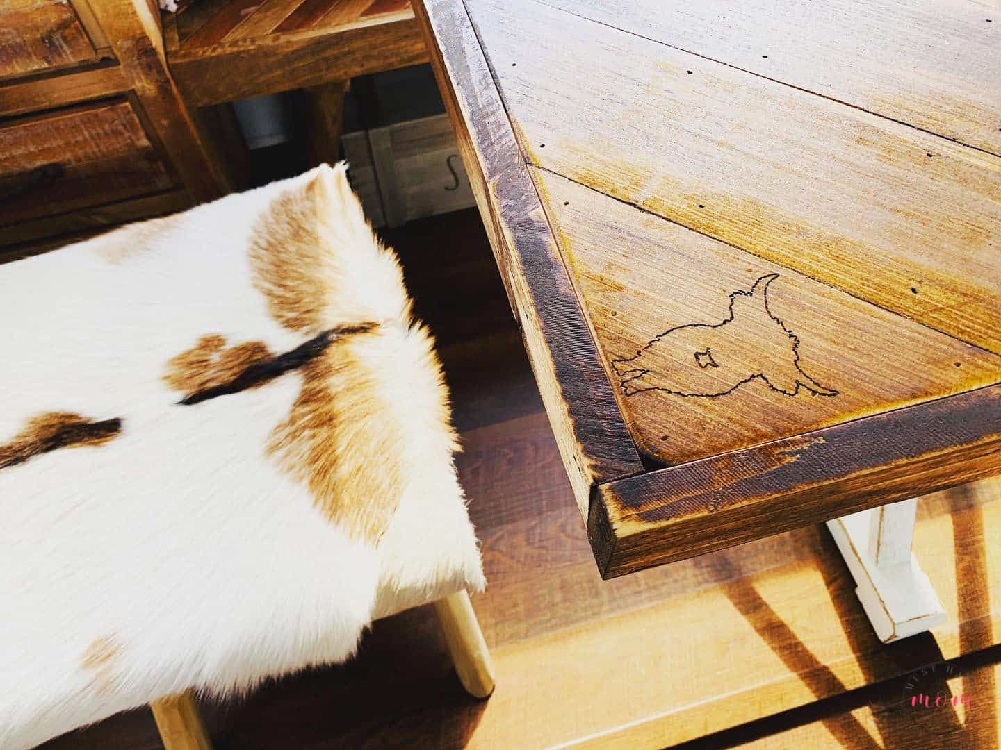 RV table and stool
