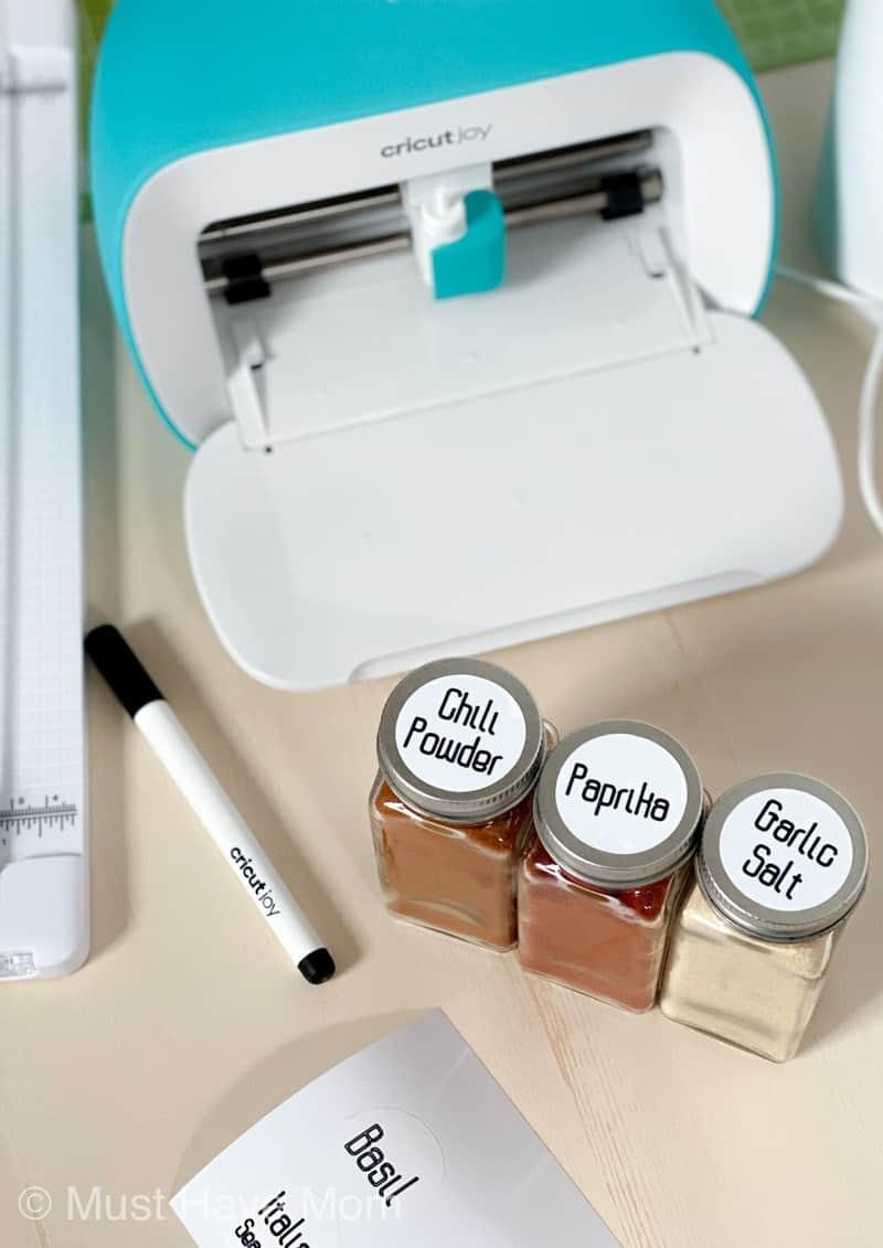 DIY Cricut Joy spice jar labels