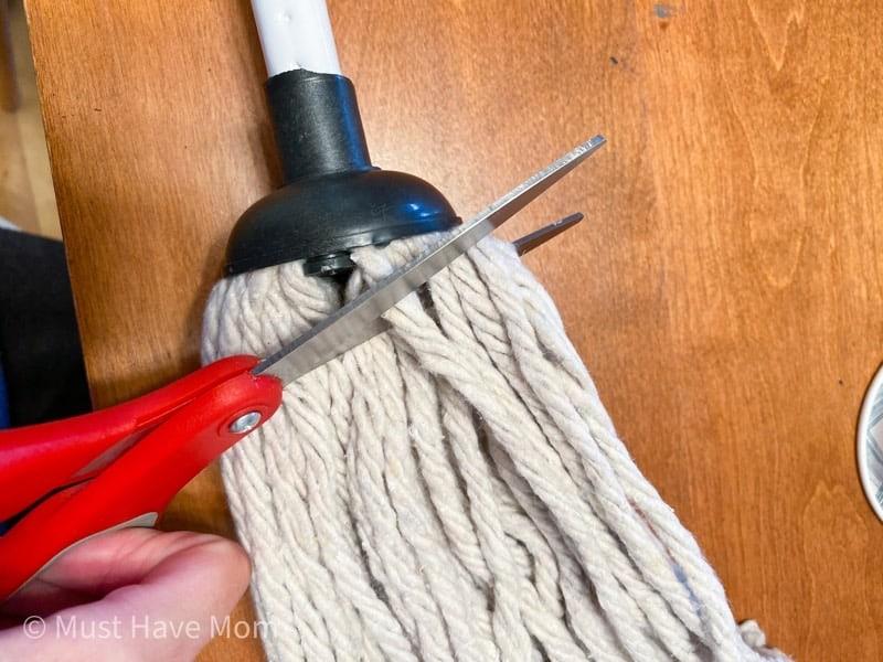 cut the mop strings