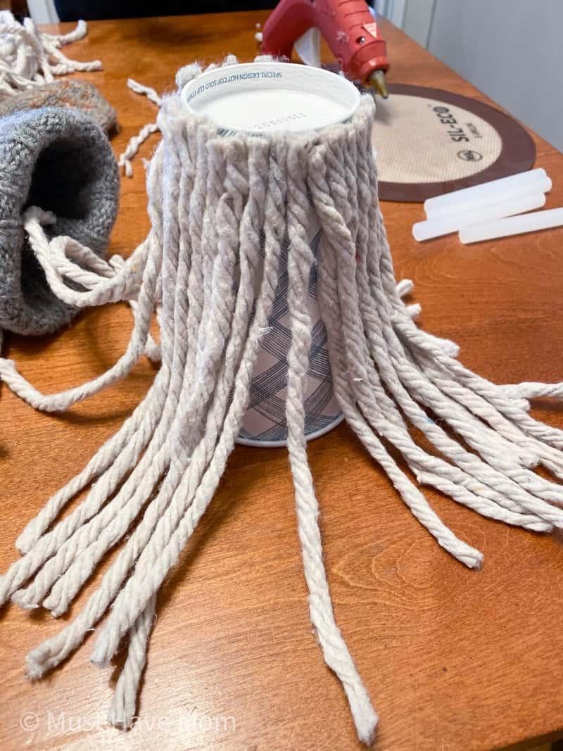 glue mop strings