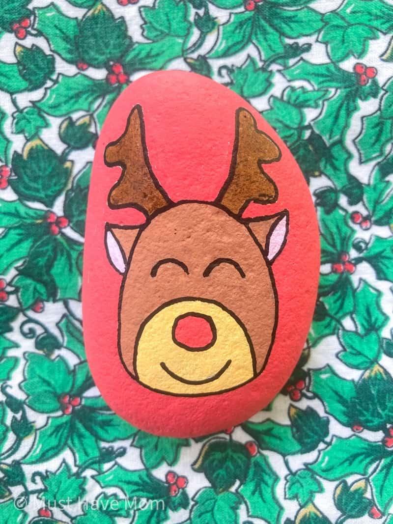 Reindeer rock painting ideas