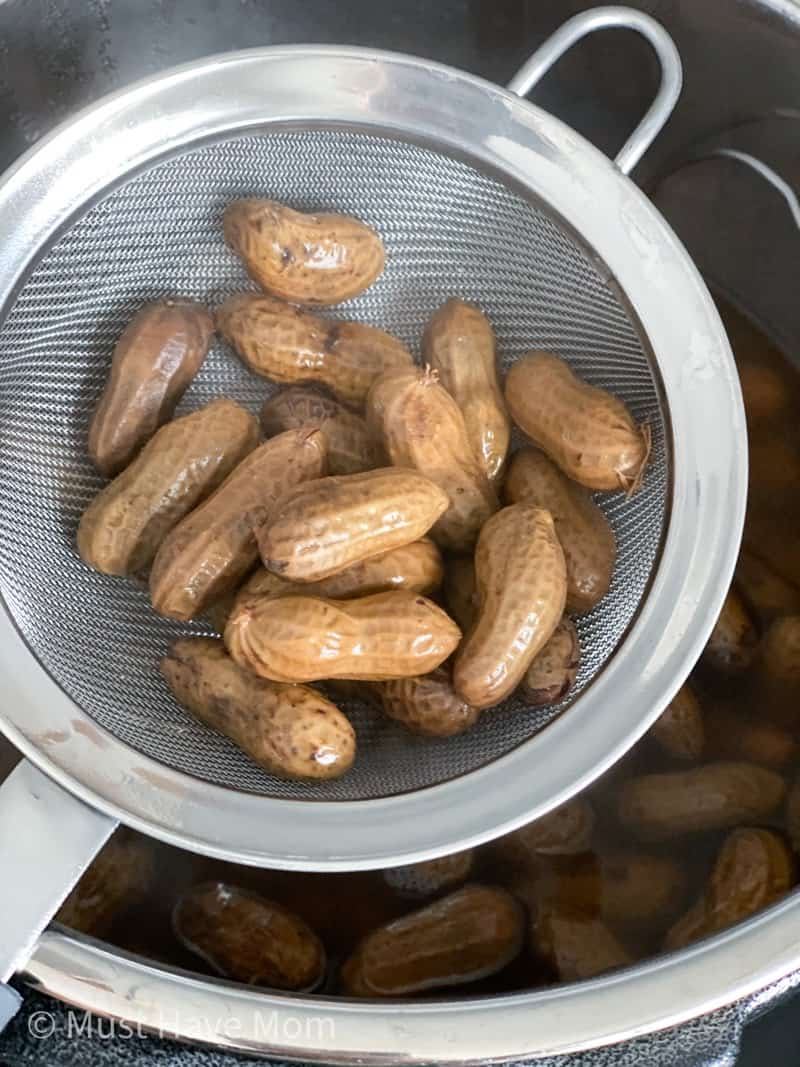 are boiled peanuts keto