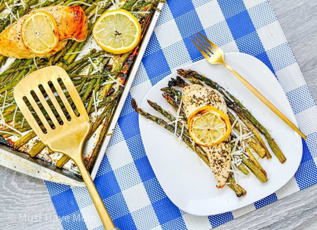 chicken sheet pan dinner with asparagus