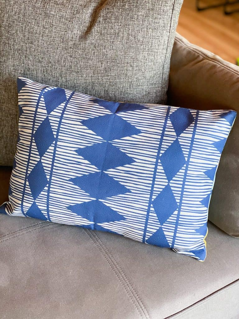 Reversible pillow cover Decocrated