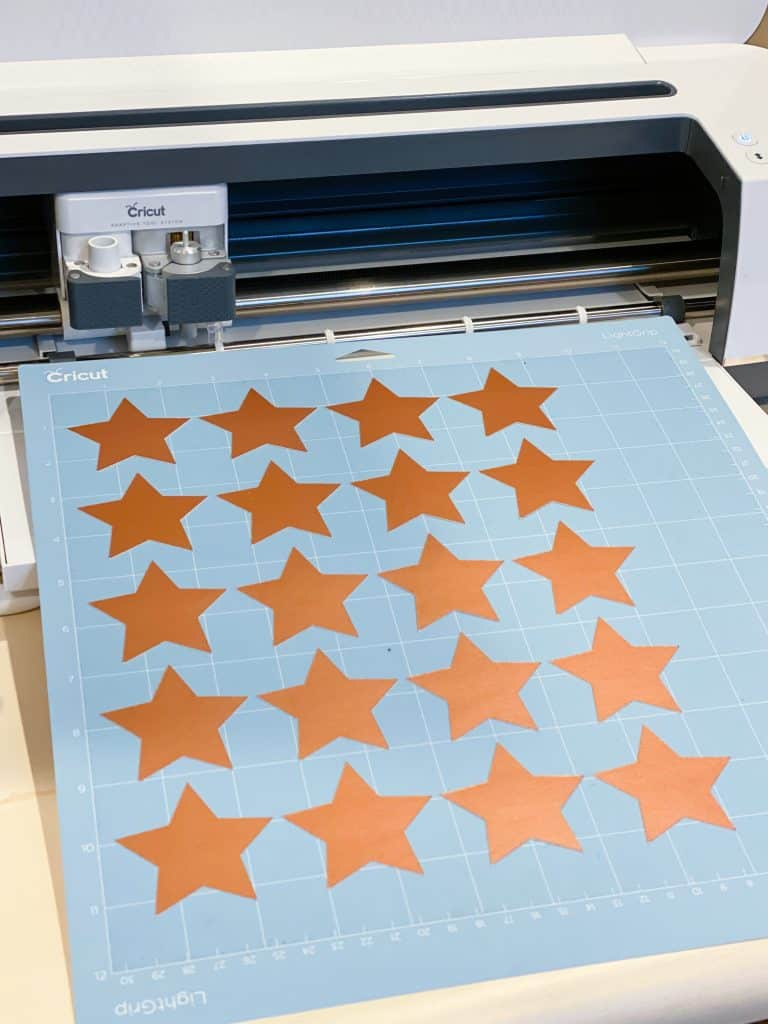 cut out stars on Cricut Maker
